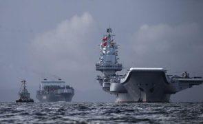 China realiza exercícios com porta-aviões em águas perto de Taiwan
