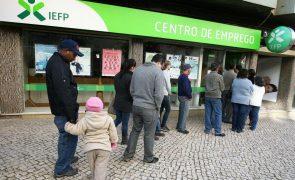 Desemprego aumenta em fevereiro para 8,3% na zona euro e 7,5% na UE - Eurostat