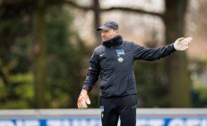 Hertha despede treinador de guarda-redes por comentários homofóbicos e xenófobos