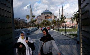 Covid-19: Turquia volta a ter mais de 200 mortes por dia