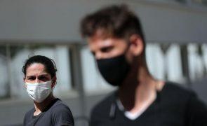 Sem emprego desde julho casal sobrevive no Porto da solidariedade