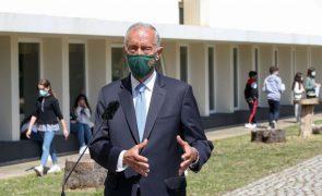 Covid-19: Marcelo espera que estado de emergência termine em abril e dê lugar a