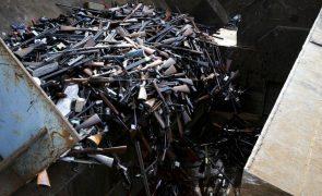 Angola entre dez países com mais financiamento dos EUA para destruição de armas convencionais