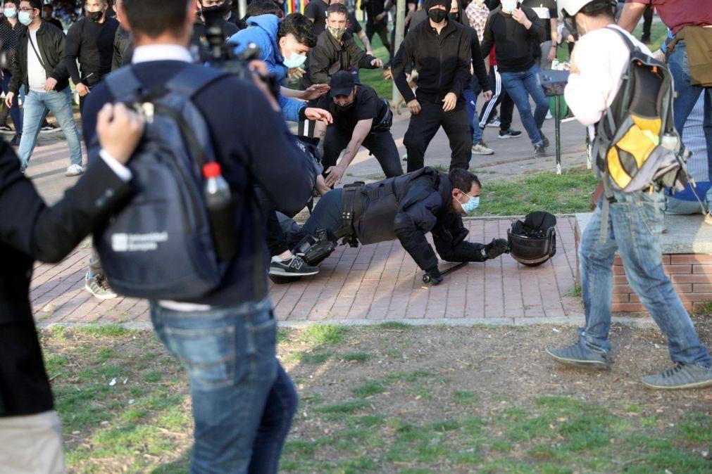 Dois detidos e 13 feridos em distúrbios em comício do Vox em Vallecas, Madrid