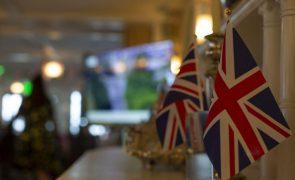 Covid-19: Reino Unido alcançará imunidade de grupo em 12 de abril