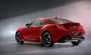 Toyota revela primeiras imagens e especificações do novo GR 86