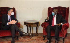Presidente angolano garante