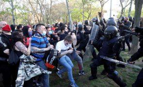 Quatro detidos e 35 feridos em protesto contra comício da extrema-direita em Madrid