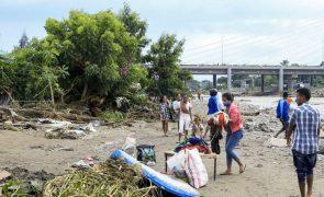 Timor-Leste/Cheias: Avião com apoio urgente ainda sem autorização para aterrar em Díli
