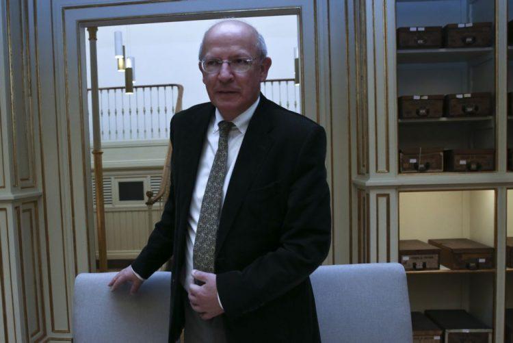 Governo ainda sem resposta do Iraque sobre levantamento de imunidade de filhos do embaixador