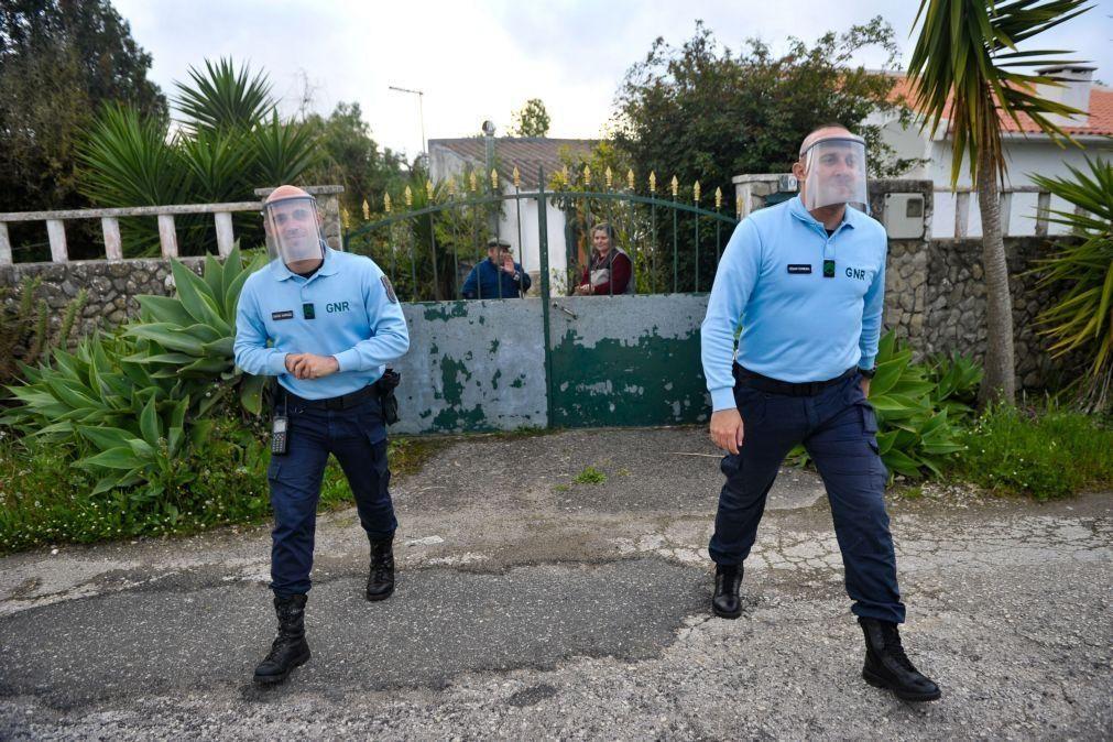 Covid-19: Duas mulher infetadas detidas por violarem confinamento