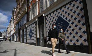 Covid-19: Reino Unido regista mais 60 mortes e mantém Rt em 0,9