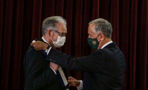 Marcelo homenageia a centenária Liga dos Combatentes e condecora o seu presidente