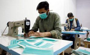 Covid-19: EUA apreenderam 20 milhões de máscaras contrafeitas desde início do ano