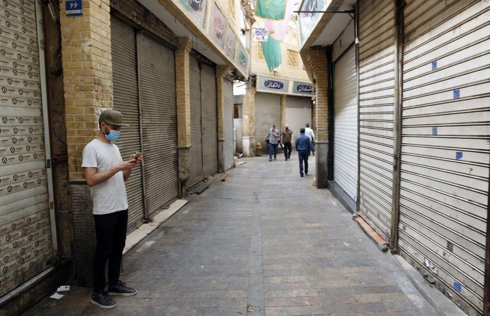 Covid-19: Irão encerra maior parte do país por 10 dias para travar 4.ª vaga