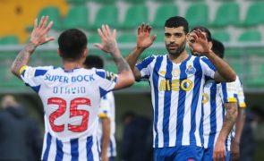 FC Porto vence em Tondela e joga pressão para o Sporting [vídeo]