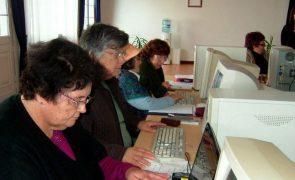 Covid-19: Menos de 30% aderiram às aulas virtuais das universidades seniores