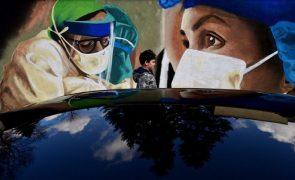 Covid-19: Pandemia já matou pelo menos 2,93 milhões de pessoas em todo o mundo