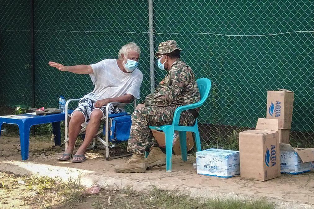 Covid-19: Xanana Gusmão dorme à frente de centro de isolamento, depois de horas de protesto