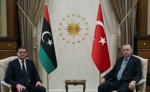 Líbia: Dbeibah encontra-se com Erdogan em Ancara para reforçar cooperação