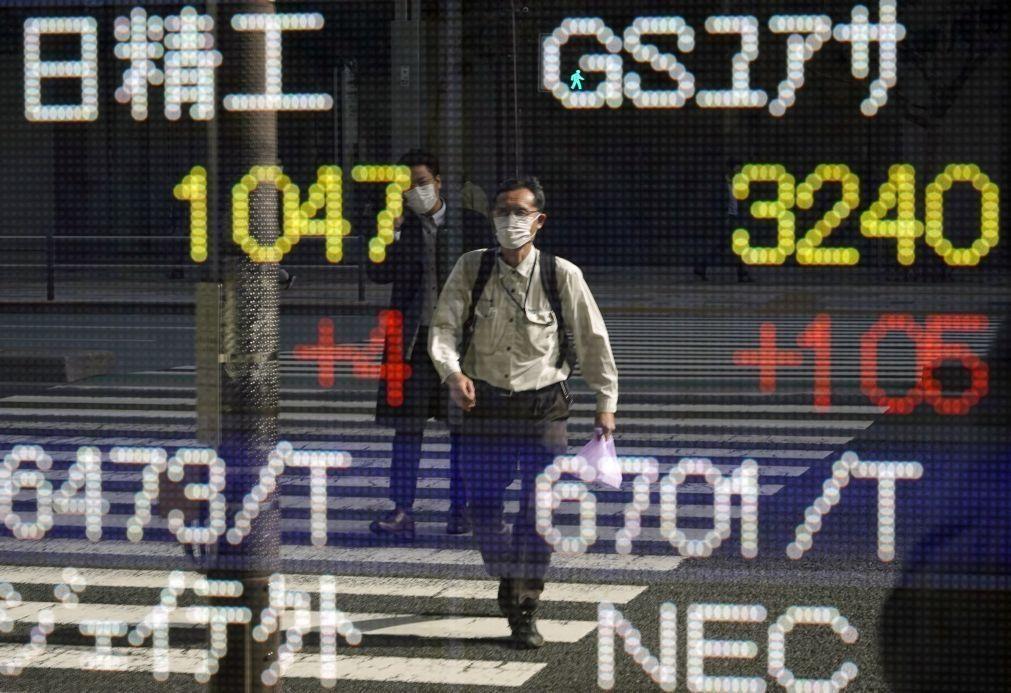 Bolsa de Tóquio abre a ganhar 0,22%