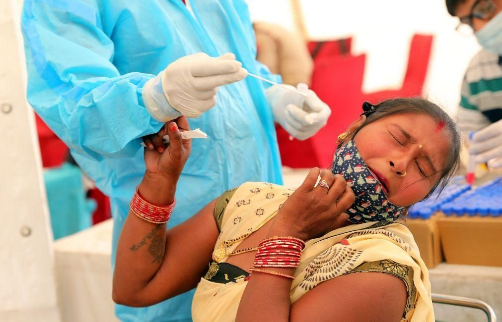 Covid-19: Índia regista 879 mortes e 161.736 novos casos