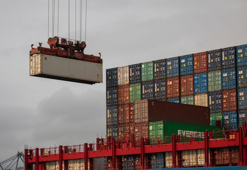 Exportações da China aumentaram mais de 30% em março