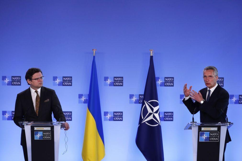 NATO pede à Rússia para