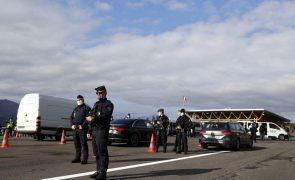 Quase 400 mil euros apreendidos dentro de meias na fronteira franco-espanhola