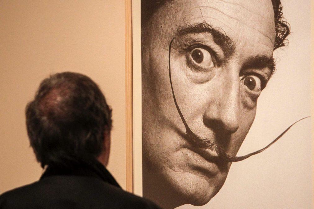 Tribunal de Madrid ordena exumação do corpo de Salvador Dalí