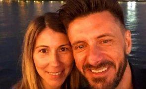 Viúva de Tony Lemos deixa homenagem 6 meses após a morte do músico