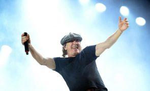 Vocalista dos AC/DC publica em outubro livro de memórias