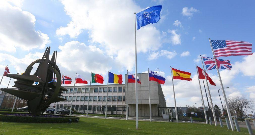 Ministros da NATO discutem hoje retirada de tropas do Afeganistão