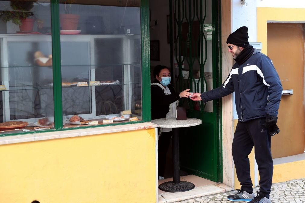 Covid-19: Restauração e alojamento com quebras de 90% da faturação em março