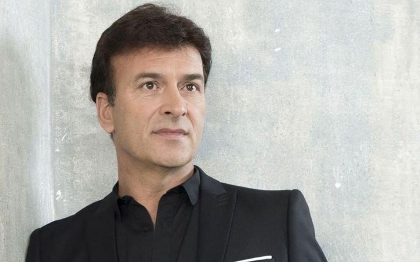 Tony Carreira anuncia nova data do concerto em Paris