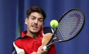 Tenista João Domingues perde na segunda ronda do 'challenger' de Split
