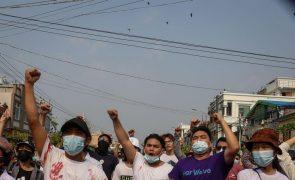Exército termina protesto de pessoal médico com tiros em Myanmar