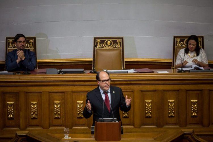 Parlamento venezuelano vai declarar