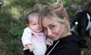 "Carina Caldeira desabafa sobre a maternidade: ""Sinto que me transformei num clichê"