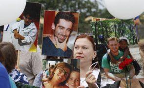 Familiares das vítimas do voo MH-17 na Ucrânia vão pedir indemnizações