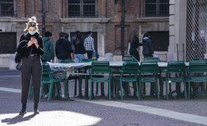 Covid-19: Itália soma quase 17.000 novos casos e regiões vão pedir relaxamento de medidas