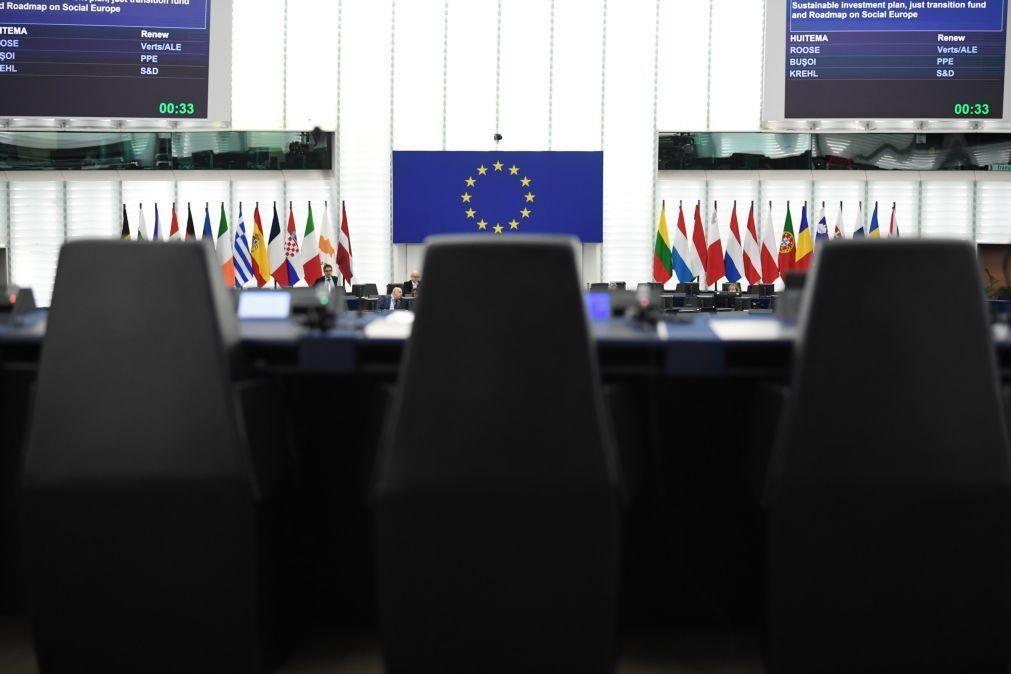 UE/Presidência: Resposta europeia à crise é