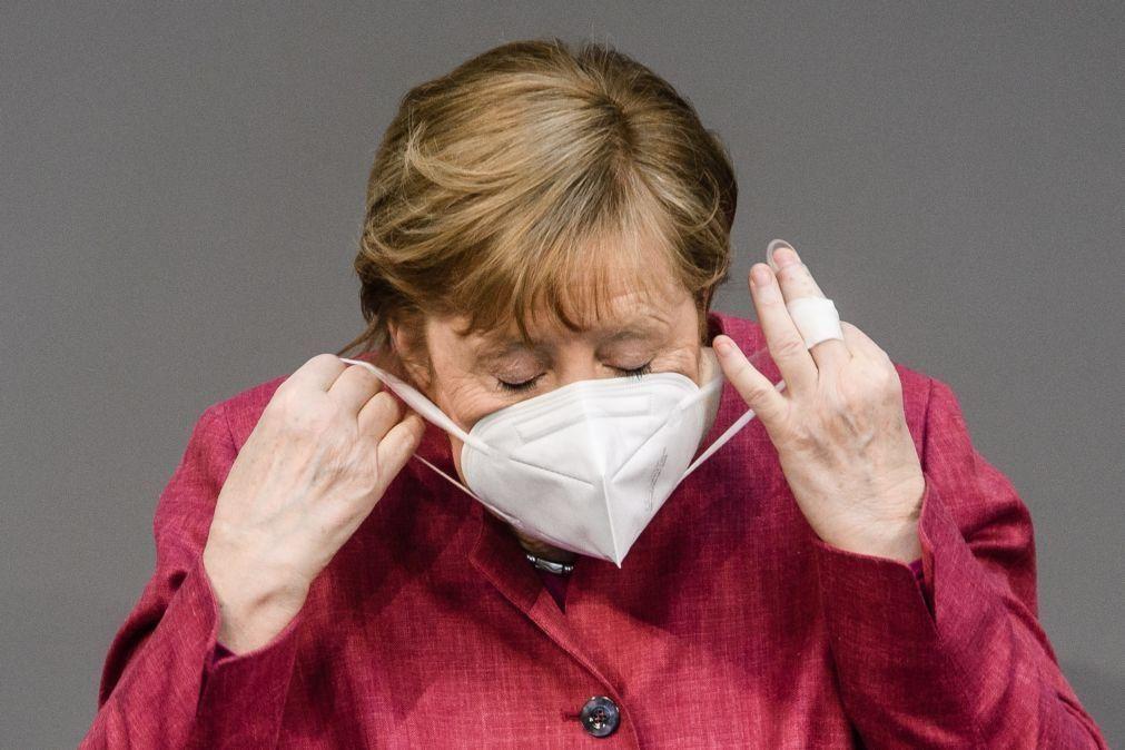 Angela Merkel recebeu uma primeira dose da vacina AstraZeneca