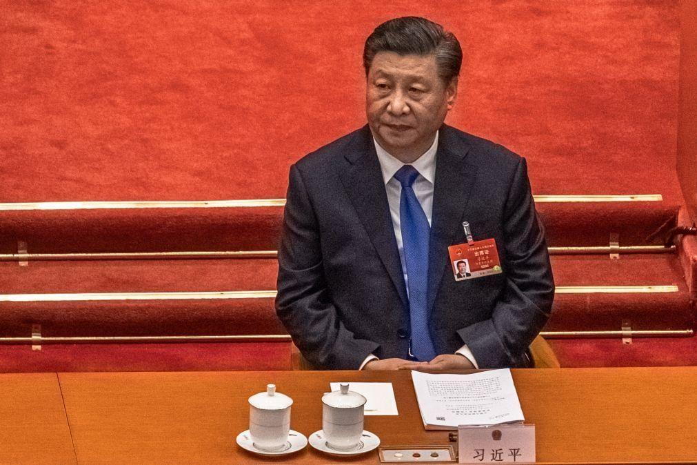 Xi Jinping contra o projeto de taxa de carbono da União Europeia