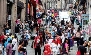 Covid-19: São Paulo reabre lojas e igrejas apesar dos altos números da pandemia