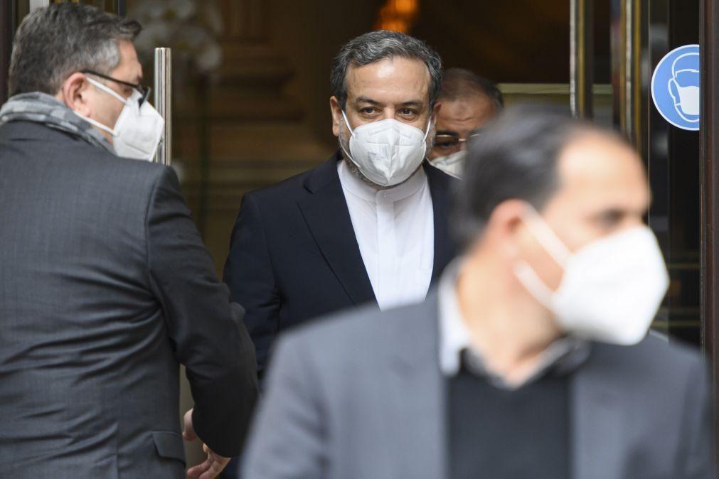 Negociações sobre nuclear com o Irão continuam e registam progressos
