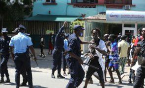 Polícia angolana dispersa estudantes que protestavam contra subida de propinas