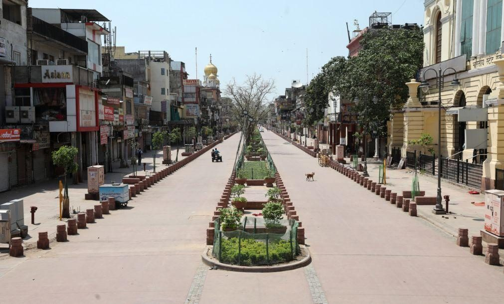 Covid-19: Aumento de casos deixa desertas ruas das principais cidades da Índia
