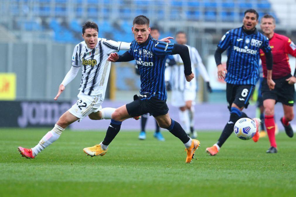 Juventus sem Ronaldo perde com Atalanta e atrasa-se na corrida ao segundo lugar