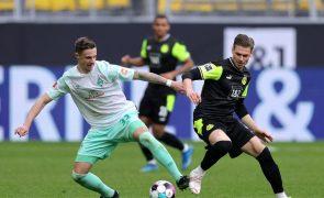 Borussia Dortmund goleia Werder Bremen 4-1 e mantém quinto lugar na Alemanha